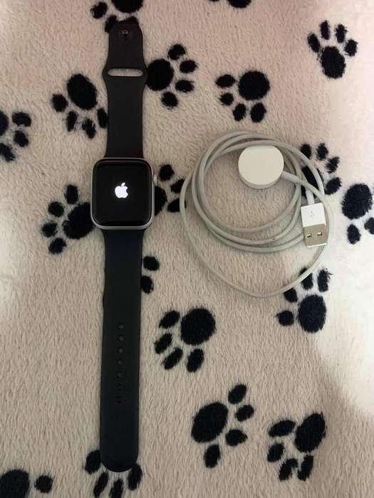 Apple Watch Series 4 Flamante