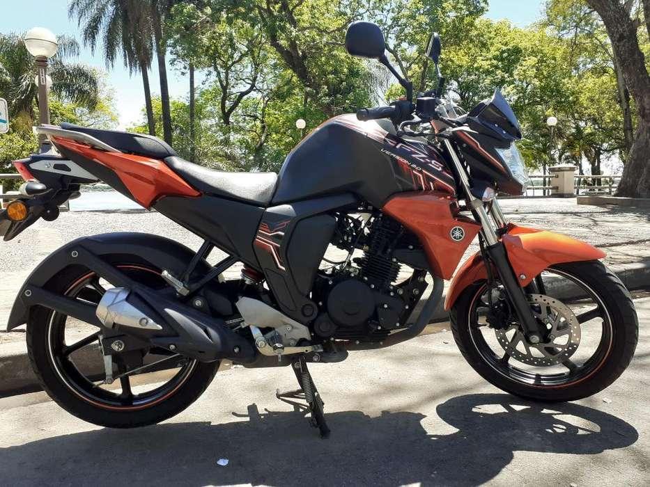 <strong>moto</strong> Yamaha