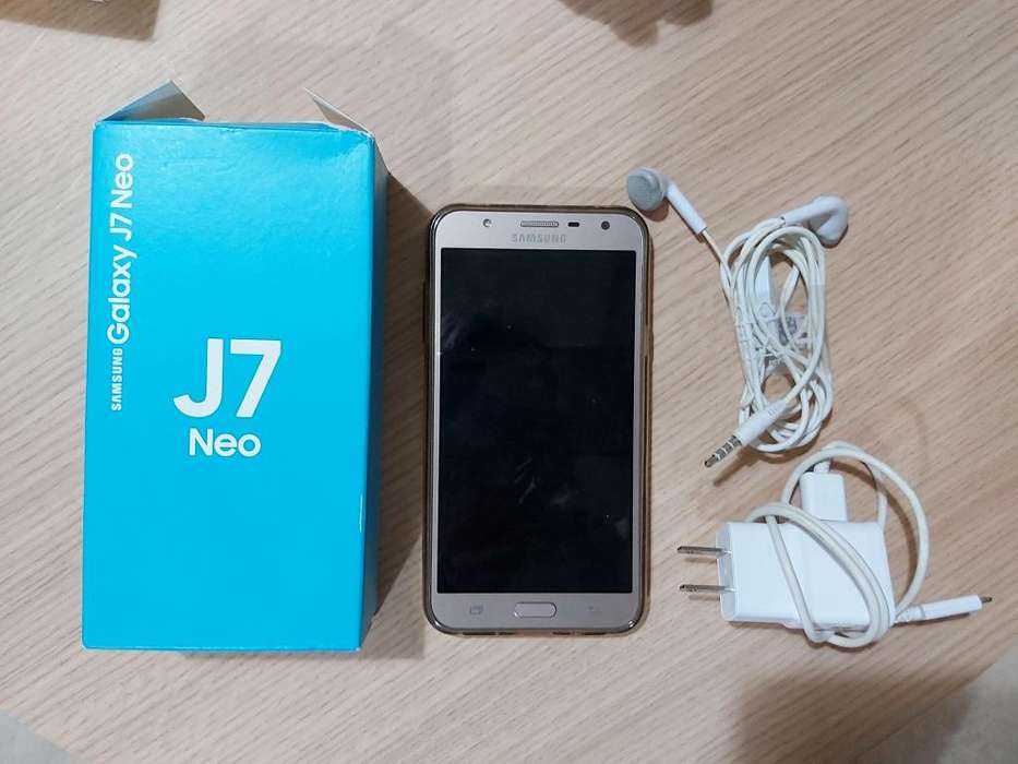 Samsung J7 Neo gold con accesorios no permuto