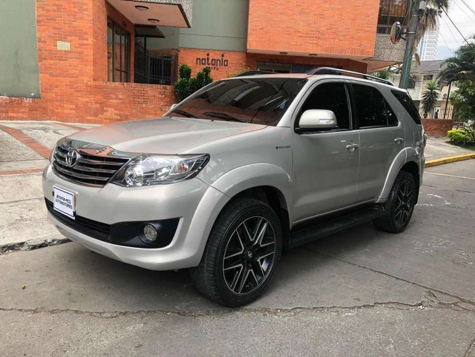 Toyota Fortuner 2013 - 95000 km