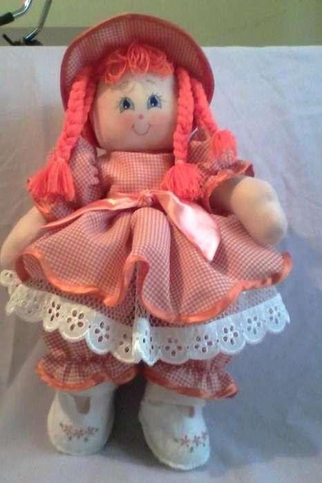 Hermosas muñecas de trapo.