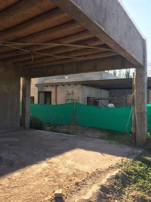 Casa en Venta. 3 Dor. 850 M2. 300 M2 Cub