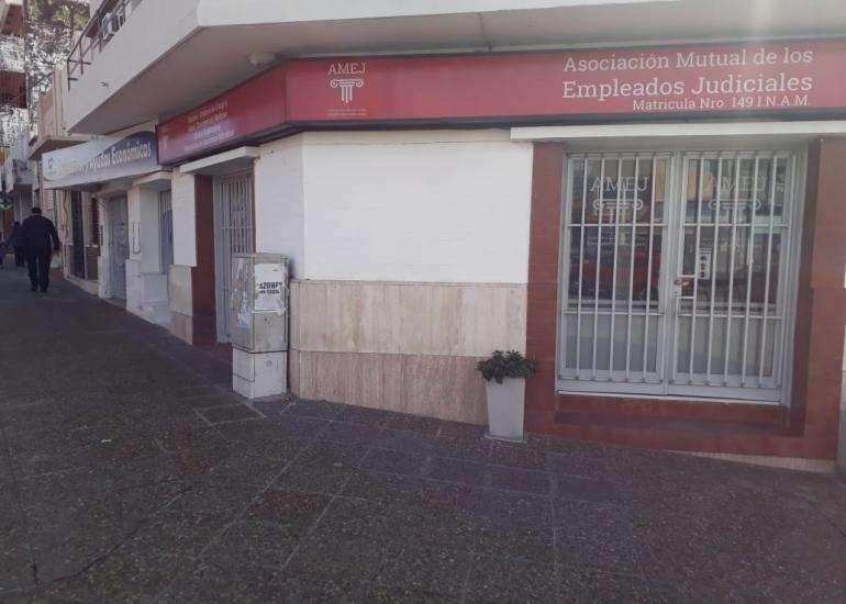 Local Av Ramirez esquina Alem