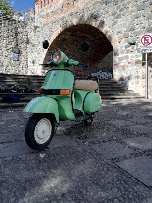 Vendo O Cambio <strong>motoneta</strong> Bajaj Mod 2002