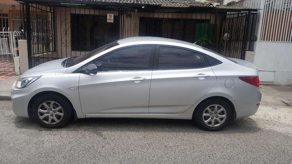 Hyundai Accent 2012 - 132000 km