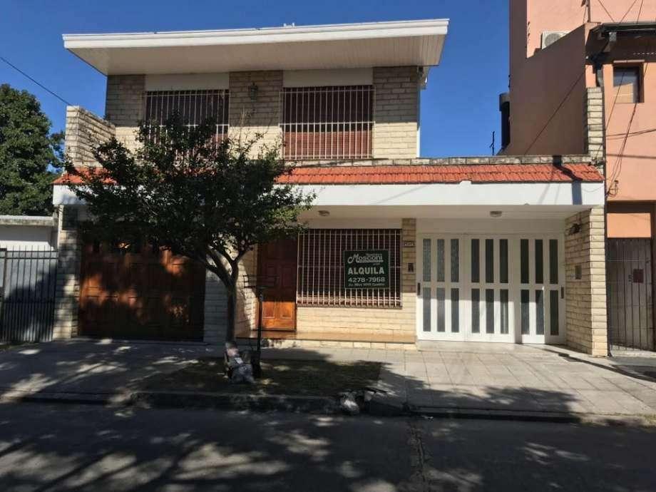 Chalet PH en alquiler en Ezpeleta Este