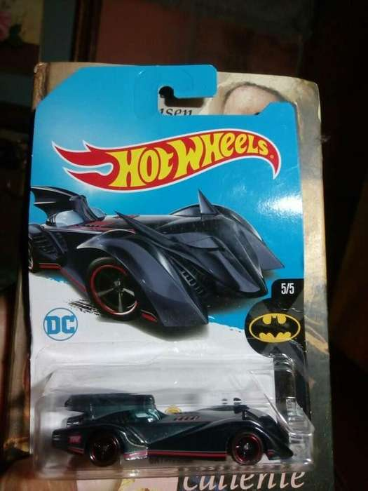 Batimobil Batman Hotwheels Batmobile Super Treasure Hunt Th LLantas Caucho Logo Dorado 2017