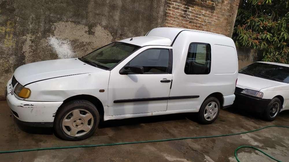 Volkswagen Caddy 1998 - 240000 km