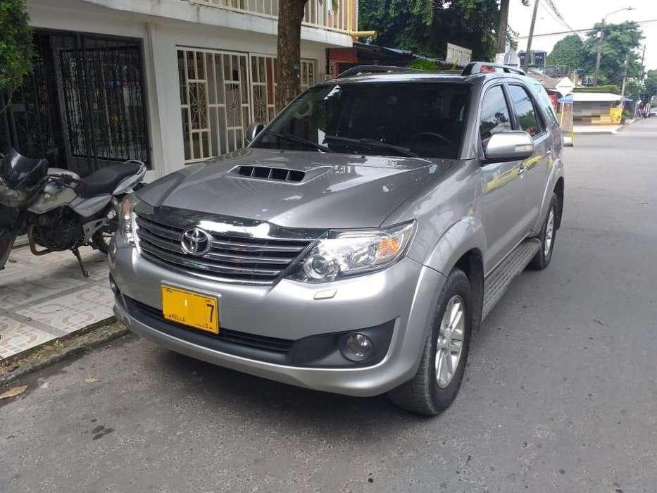 Toyota Fortuner 2015 - 75000 km
