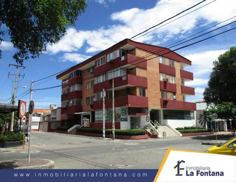 Cod: 2426 Arriendo Apto en el Edif Oda, Barrio Blanco