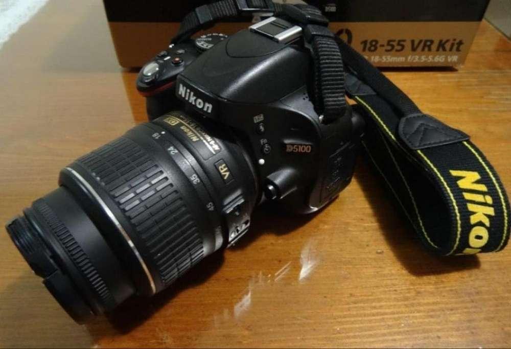 Vendo Nikon D5100 con Objetivo Poco Uso