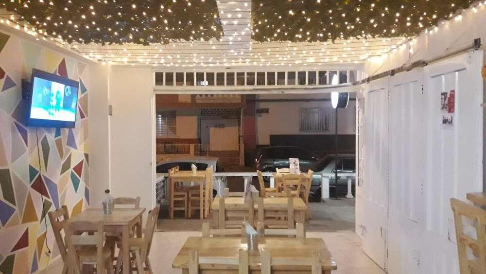 Se vende negocio Pizzeria Restauran en el Granada.