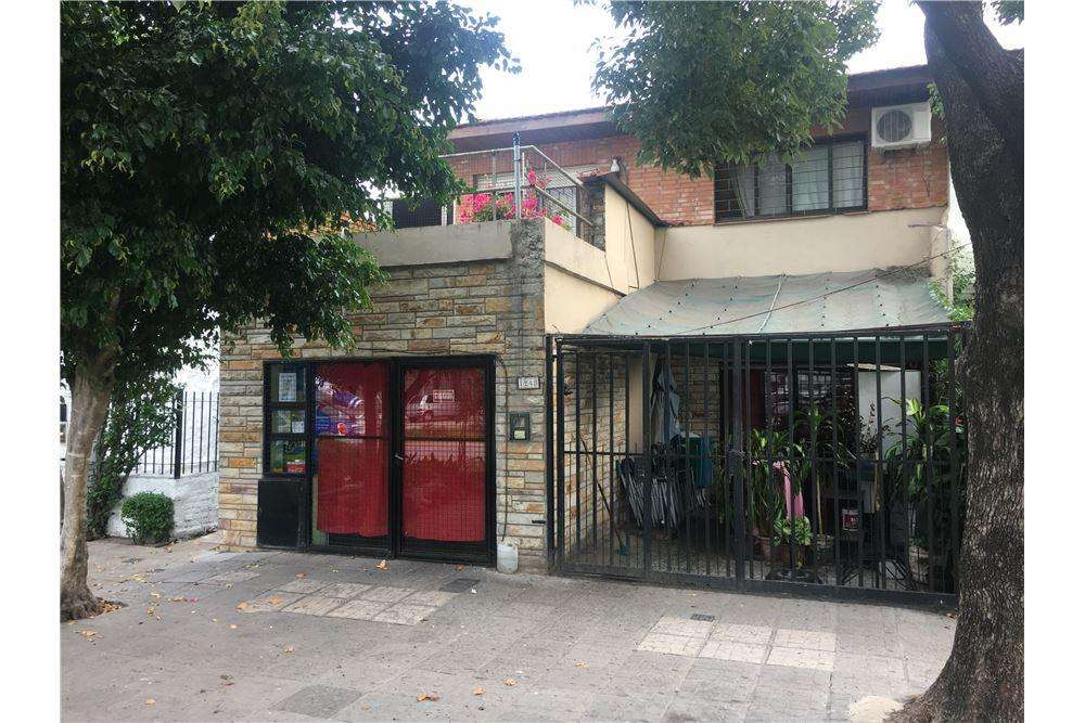 Casa, Local. 2 Plantas Zona Comercial