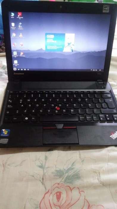 Vendo Laptop X121e