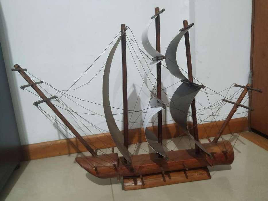 Barco Decorativo en Madera Grande