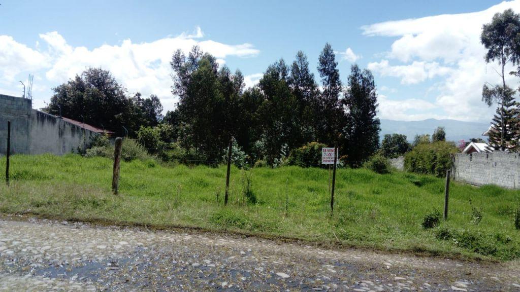 TERRENO DE VENTA , VALLE LOS CHILLOS ,CONOCOTO 2400m2 SECTOR COLEGIO LA SALLE