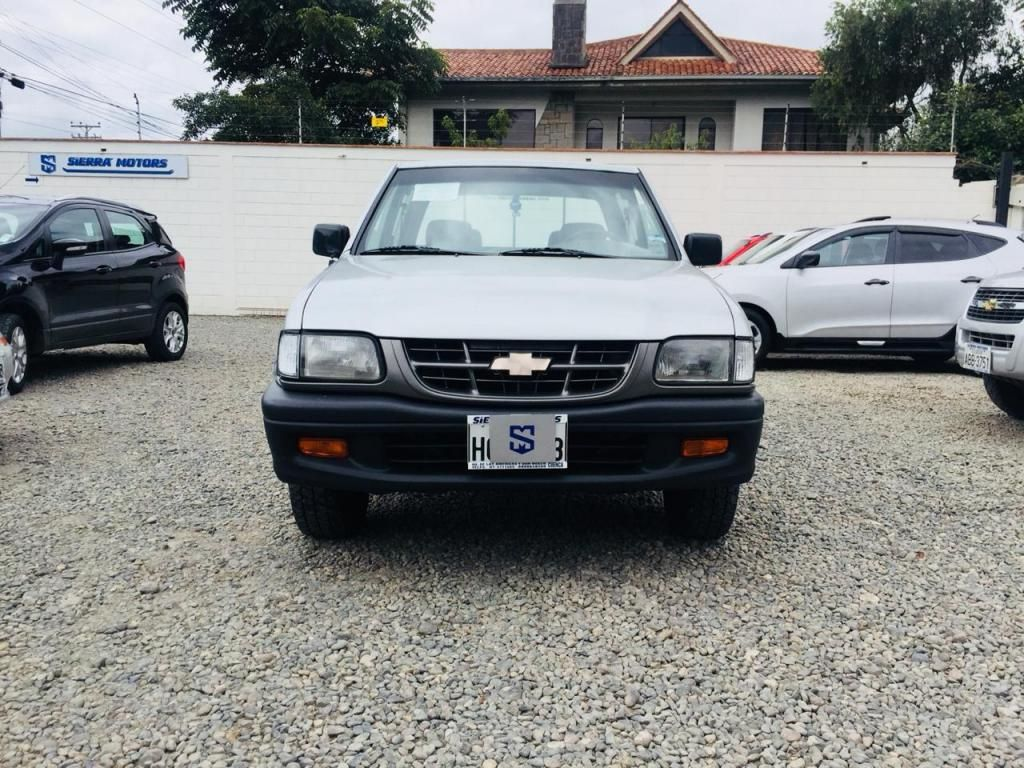 CHEVROLET LUV 2.2 CD 4X2 TM AÑO 2001 FLAMANTE