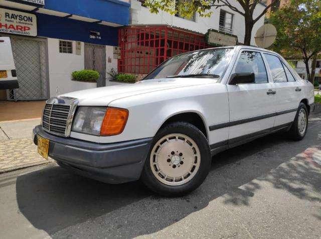 <strong>mercedes</strong>-Benz Clase E 1987 - 150000 km