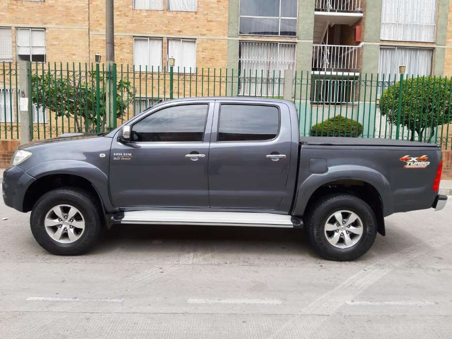 Toyota Hilux 2010 - 115000 km