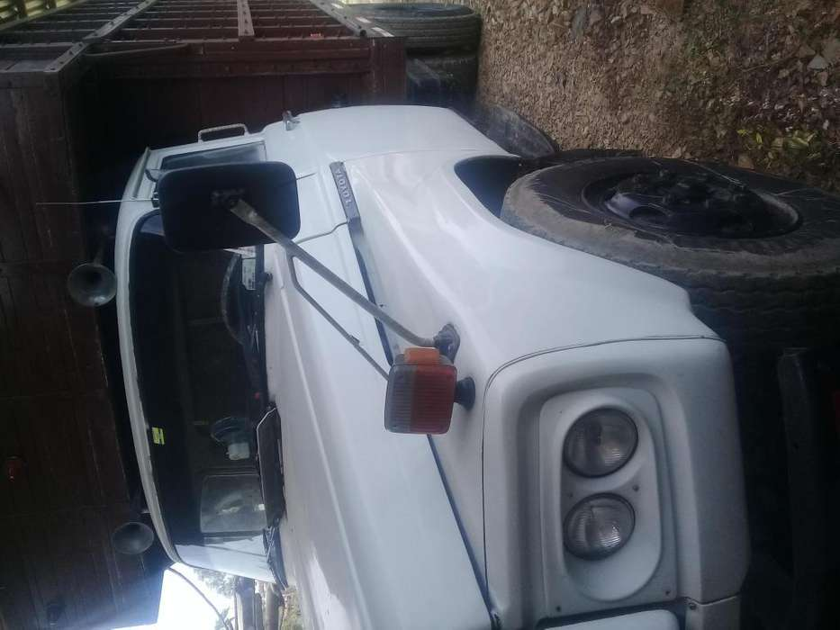 Vendo camion mi 0961114056