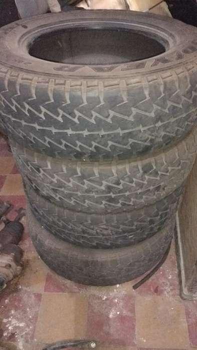 Cubiertas Camioneta 2456517 de <strong>jeep</strong> grand cherokee