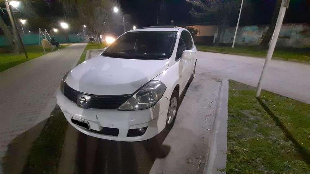 Nissan Tiida 2008 - 150000 km