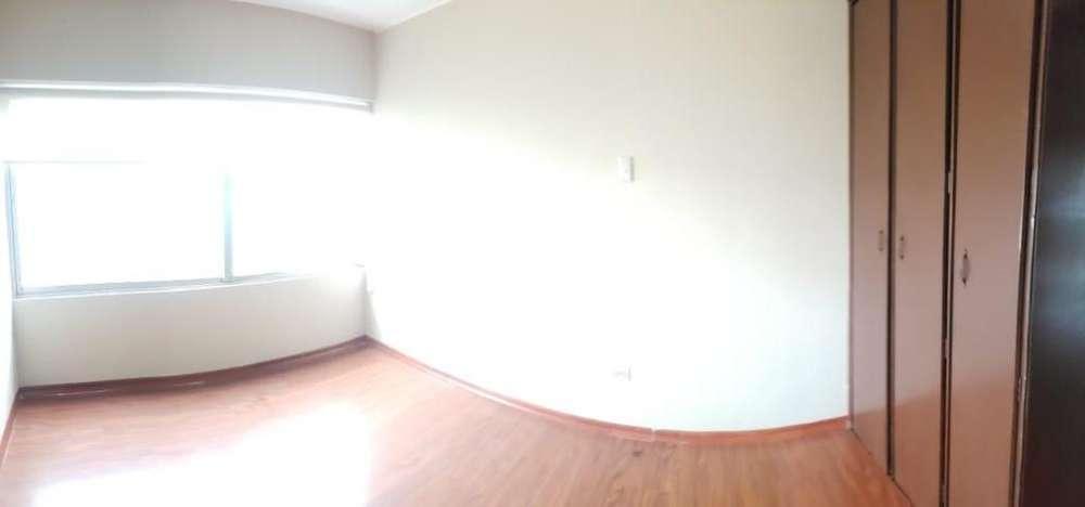 departamento en renta 3 dormitorios localizado en sector de plaza de las américas