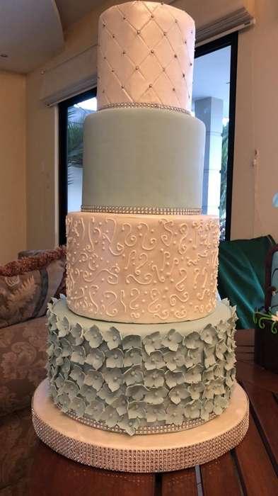 Torta de Matrimonio Falsa