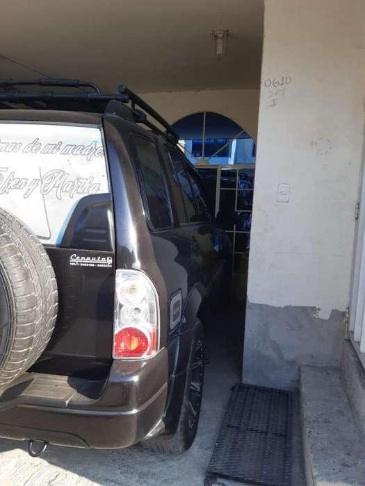 Chevrolet Vitara 2013 - 14200 km