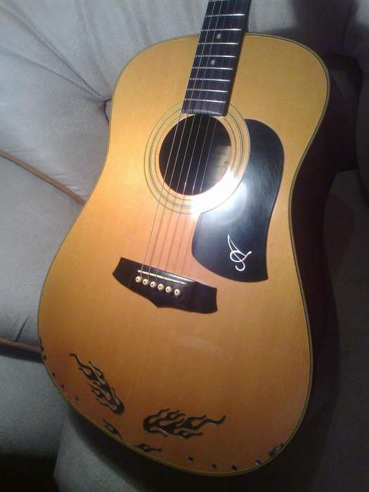 VENDO MI GUITARRA AW 200 ARIA MADE IN JAPON, SOLO PARA LOS QUE SABEN