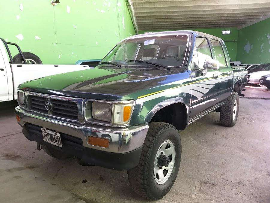 Toyota Hilux 1999 - 230000 km