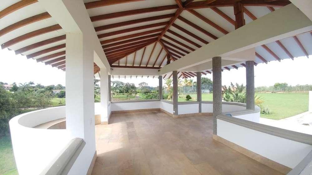 Arriendo o vendo espectacular casa campestre a 5 minutos de Pereira para tus vacaciones