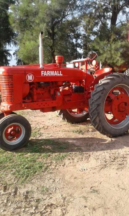 <strong>tractor</strong> Farmall M