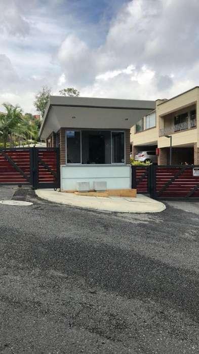 Cod. VBBER748 Casa Condominio En Venta En Envigado Calleja