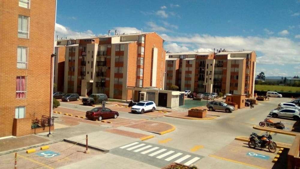 Apartamento en Venta Centro Funza RAH CO:19-127 - wasi_1315173