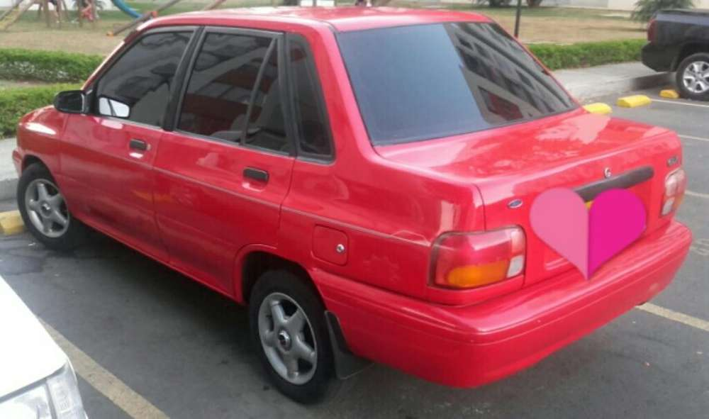 Ford Festiva 1997 - 600 km