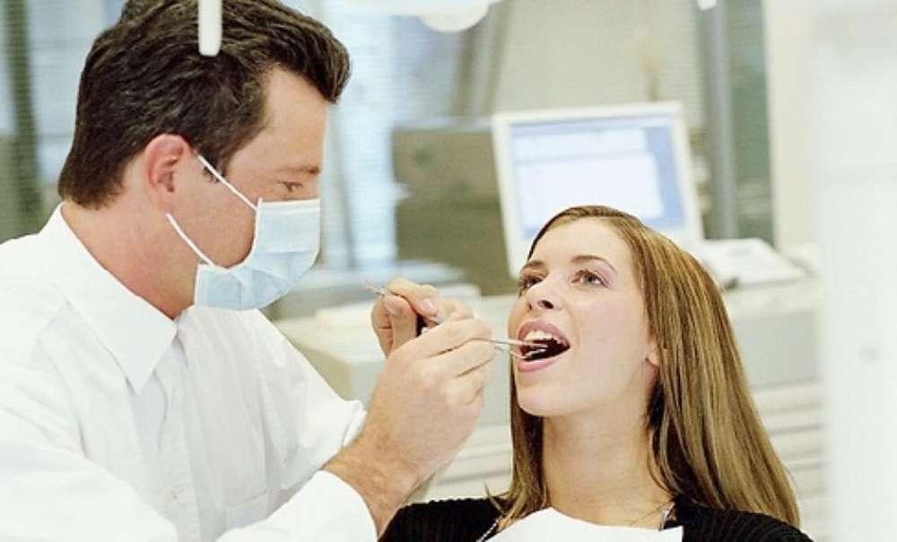Odontologo ( A)