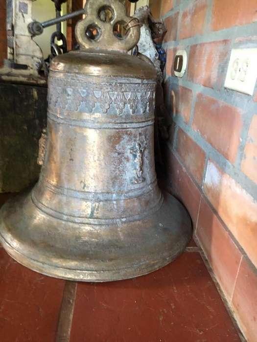 <strong>campana</strong>s de Iglesia