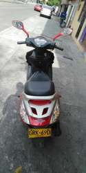 Buenisima Scooter Honda Elite 2015
