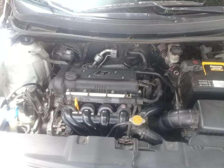 Hyundai Accent 2013 - 90000 km