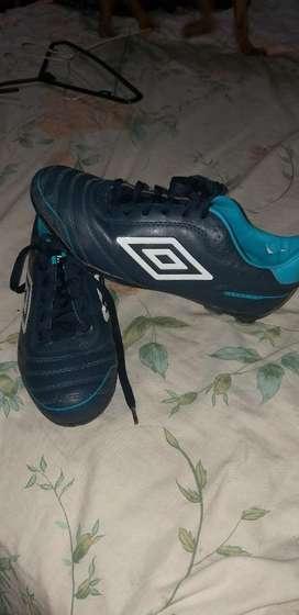 zapatos pupos umbro guayaquil julio 2019