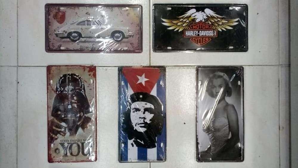 Placas decorativas para carro NUEVAS