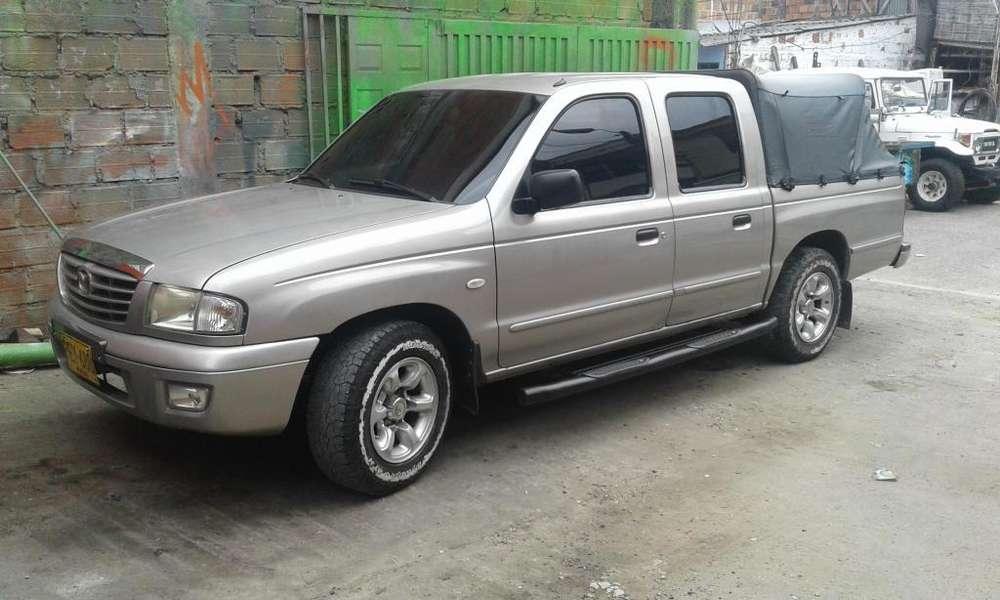 Mazda B-2200 2006 - 180000 km