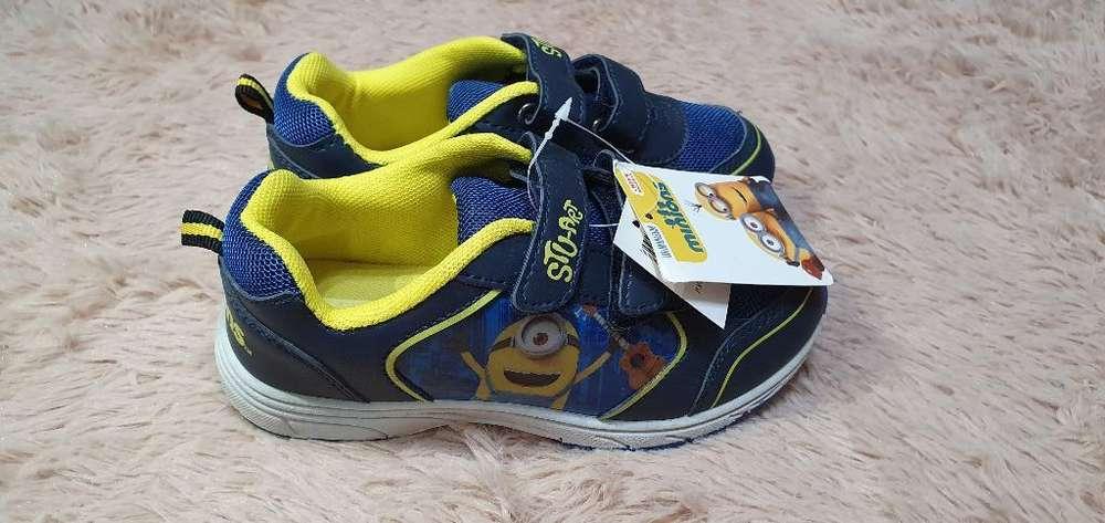 Zapatos Minnions Nuevos