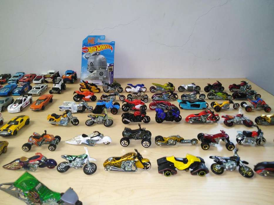 VENDO LOTE MOTOS HOT WHEELS NUEVAS