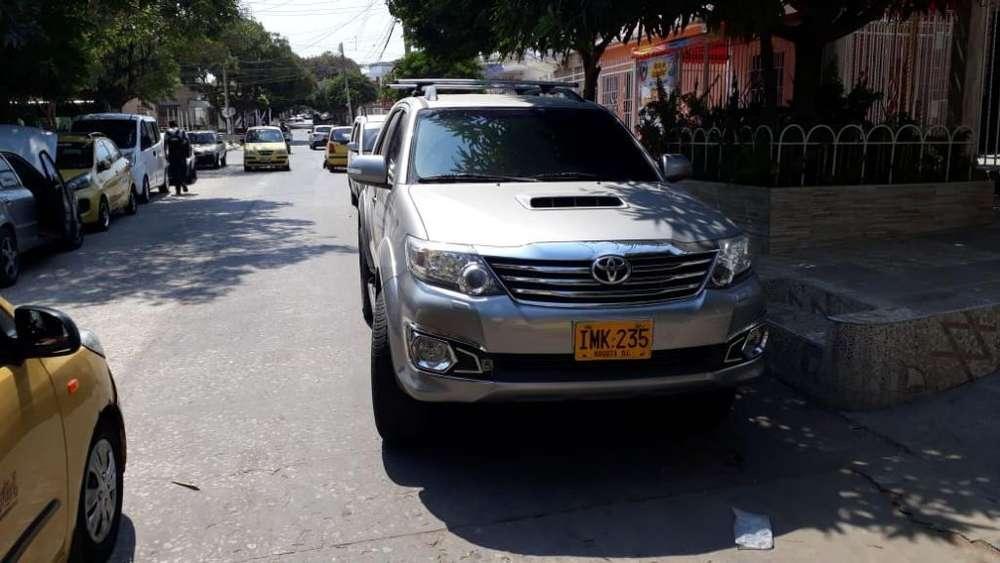 Toyota Fortuner 2015 - 70000 km