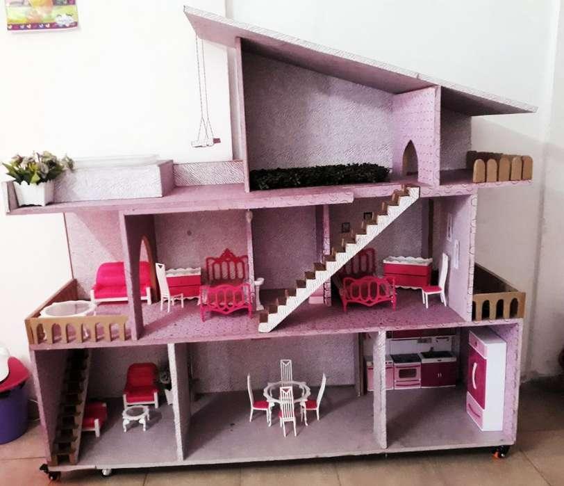 Se Vende Casa de Barbie Amoblada.