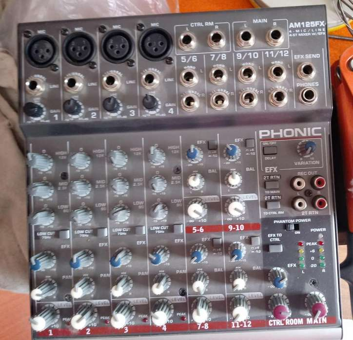 CONSOLA MIXER PHONIC. AM 125