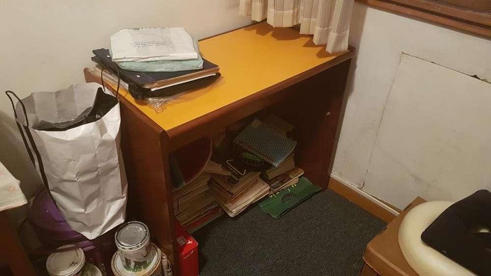 <strong>escritorio</strong> juvenil usado
