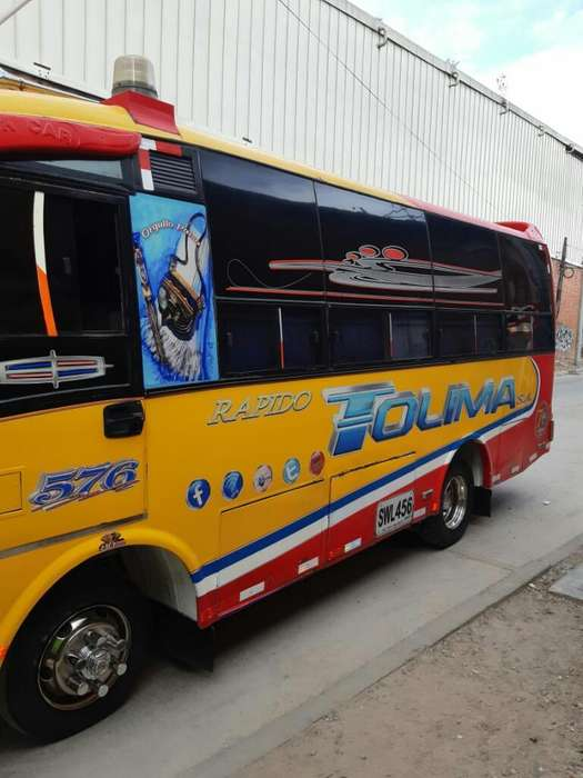 Buseta Npr